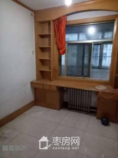 鑫昌路小学 华西小区 三室两厅 99平米 有储