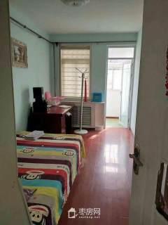 滨河花园一期 94平米两室两厅 精装修 带储藏室