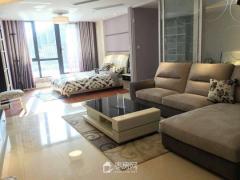 同仁小区5楼三室二厅100平方送储藏室房主配合贷款