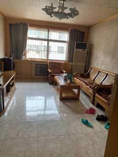 学区房、毗邻三中、四十一中、3室1厅1卫94m²简单装修
