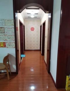 3室2厅1卫135m²豪华装修