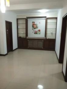 (市中)华檀居花苑3室2厅1卫140m²简单装修