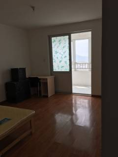(薛城)昂立来泉山庄4室2厅2卫136m²